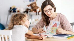 وظیفه ی اصلی والدین در تربیت فرزند، آموزش رفتارهای خوب و مطلوب می باشد.