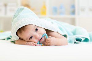 علت به دهان بردن اشیا توسط کودک